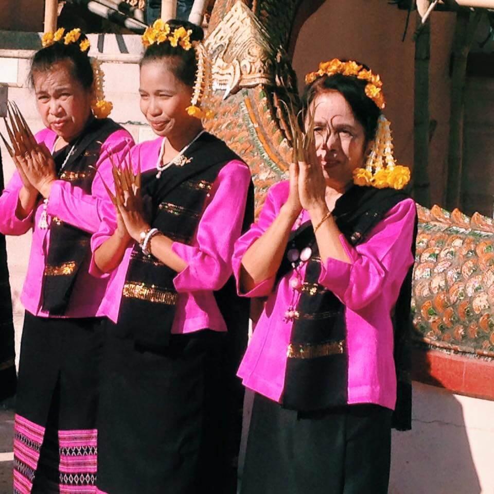 Go to Thailand   Buddhist Ceremony