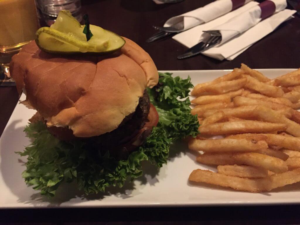 My Favorite Veggie Burger Ever |The Best Vegetarian and Vegan Restaurants in Kelowna, BC