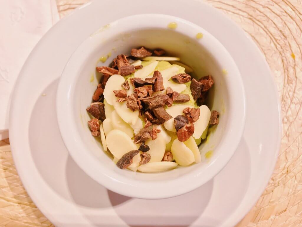 Aura Mexican Cooking | Avocado Coconut Mousse with Almonds and Cacao